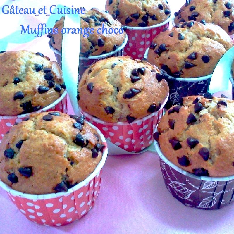 muffin avec de l'amande parfumé à l'orange avec des pépites de chocolat