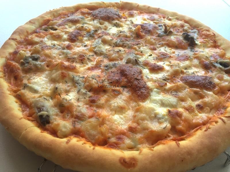 pizza aux crevettes - pâte à pizza maison-recette de gateau et cuisine rachida