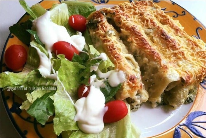 idée repas plat de cannelloni ricotta et épinards avec sauce béchamel