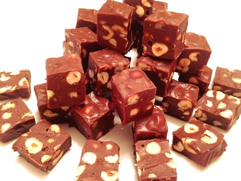 fudges chocolat au lait et noisettes