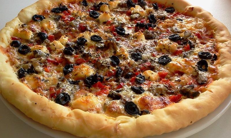 Recette pizza facile-pizza au thon et aux trois poivrons