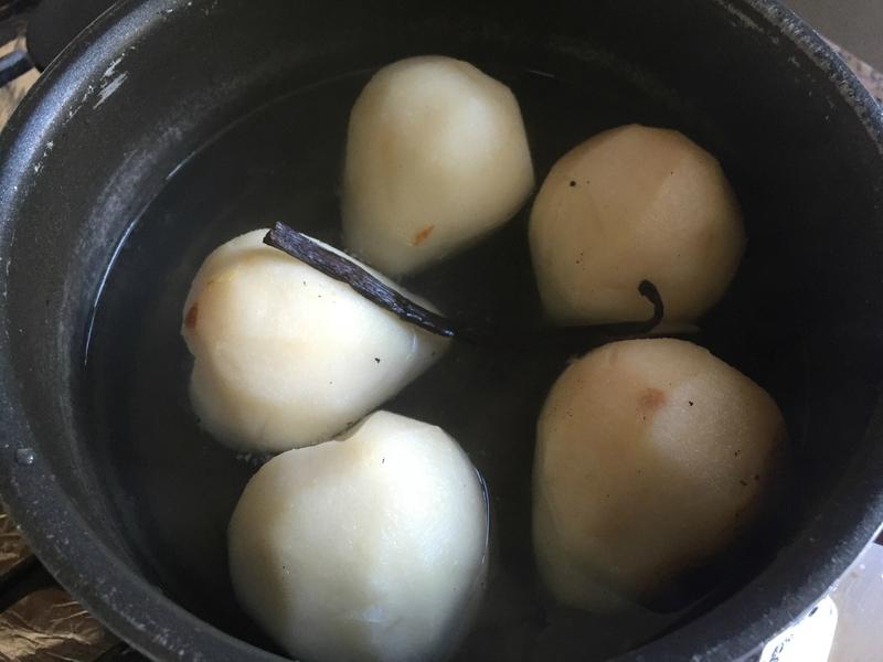 poires aux sirop pour la buche de noel caramel