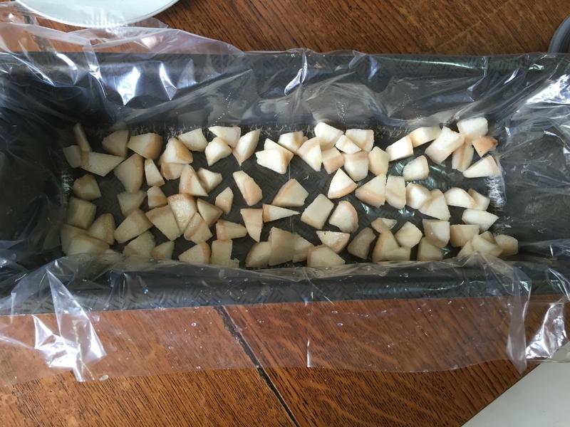 insert poires pour la buche de noel mousse caramel et glaçage rocher