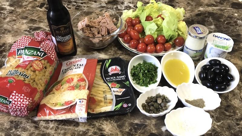 Ingrédients pour composer une salade de pâte et thon