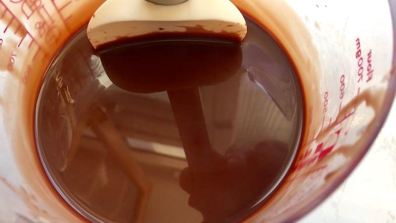 glaçage miroir au chocolat sans bulles