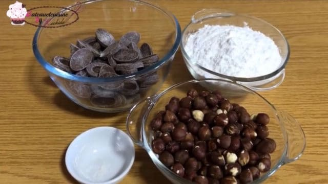 ingrédients du gianuja / noisettes ,sucre et chocolats  au lait valrhona