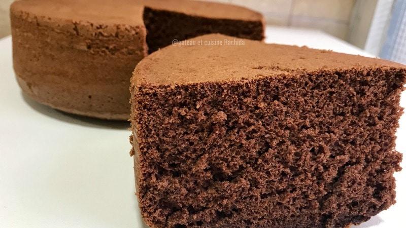 recette génoise au chocolat très haute
