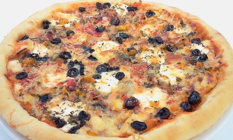 pizza maison à la dinde fumée et ricotta