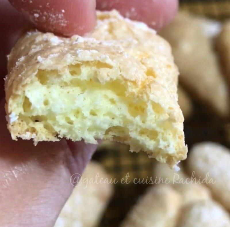 biscuit cuillère très moelleux perlé de sucre glace - recette pour charlotte et tiramisu