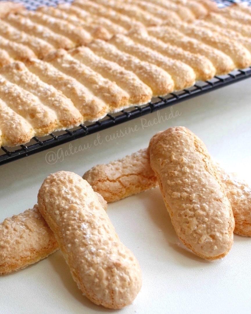 biscuit cuillère facile et moelleux pour charlotte et tiramisu