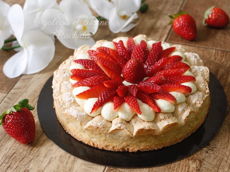 la tarte aux fraises revisitée avec une dacquoise et une crème diplomate