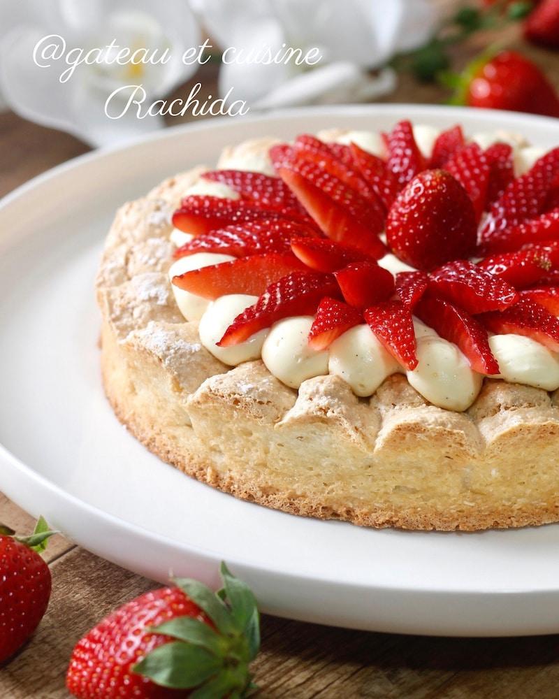 tarte dacquoise aux fraises et crème diplomate