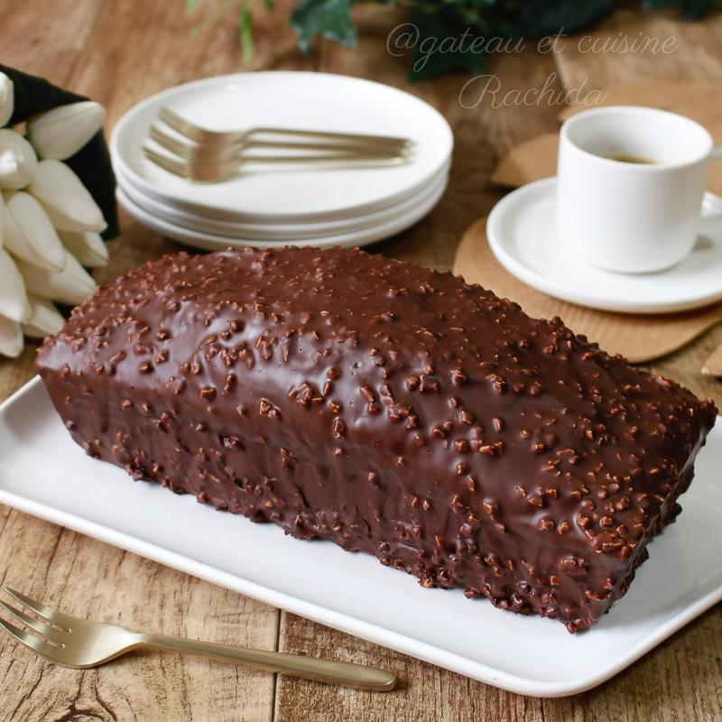 cake marbré très moelleux avec glaçage rocher au chocolat