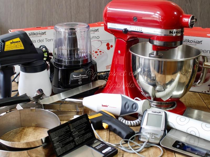 robot pâtissier et ustensiles de cuisine