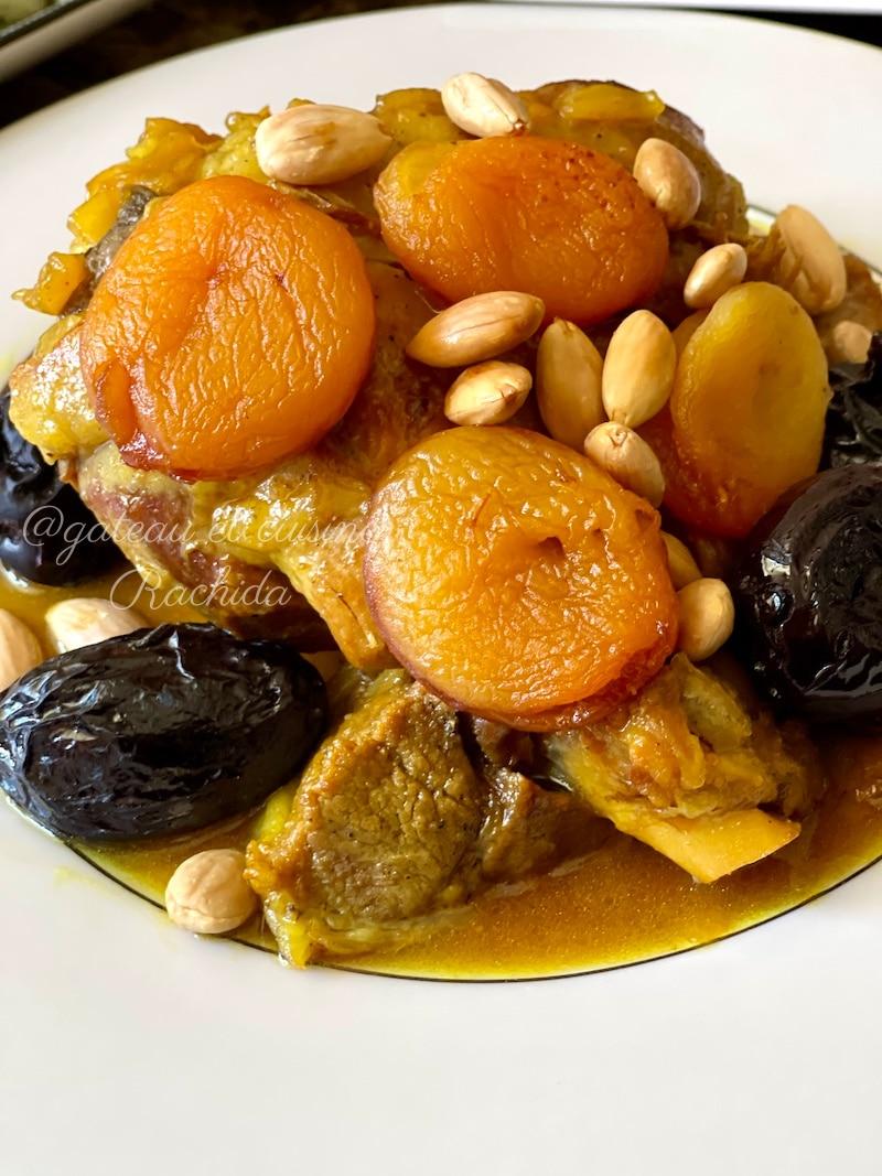 tajine marocain agneau pruneaux ,abricots secs et amandes